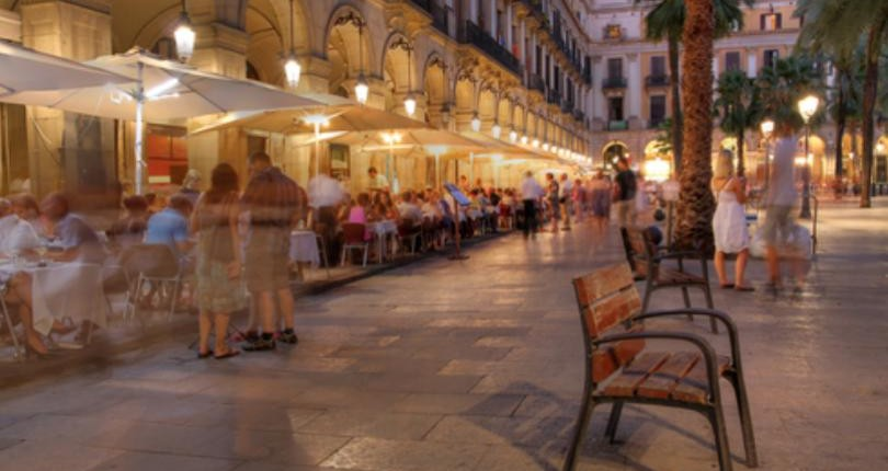 4 opciones para adentrarte en las noches de Barcelona